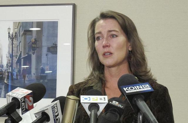 Oregon's First Lady Admits to Secret Past: A Green-Card